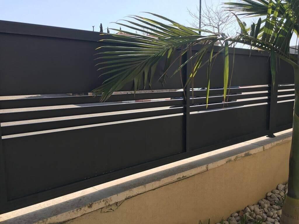 גדר בייצור מאלומיניום